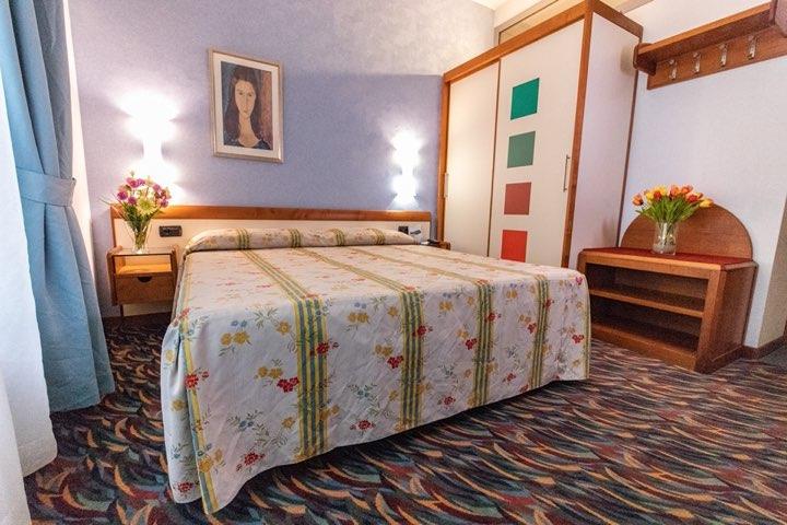 hotel-san-terenzo-camera-standard-dettaglio-1