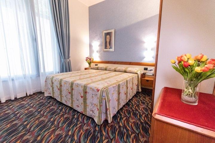 hotel-san-terenzo-camera-standard-dettaglio-3