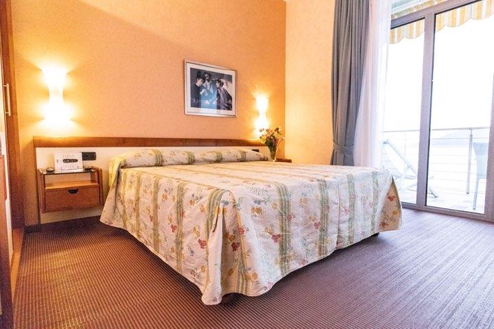 hotel-san-terenzo-camera-vista-mare-dettaglio-2