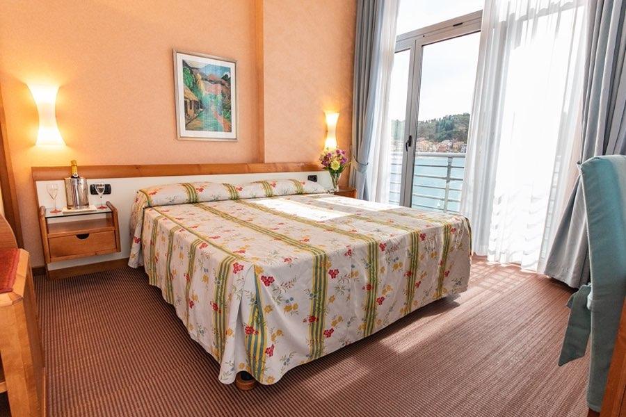 hotel-san-terenzo-camera-vista-mare-home